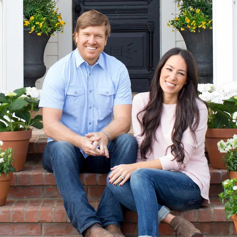 Fixer Upper Stars Chip And Joanna Gaines The Secrets
