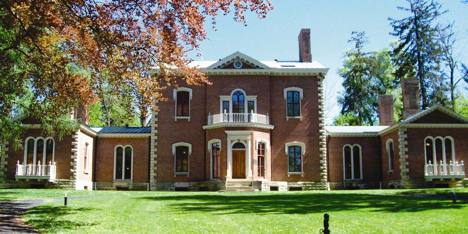11 incredible historical homes you should visit in kentucky for Home builders in kentucky
