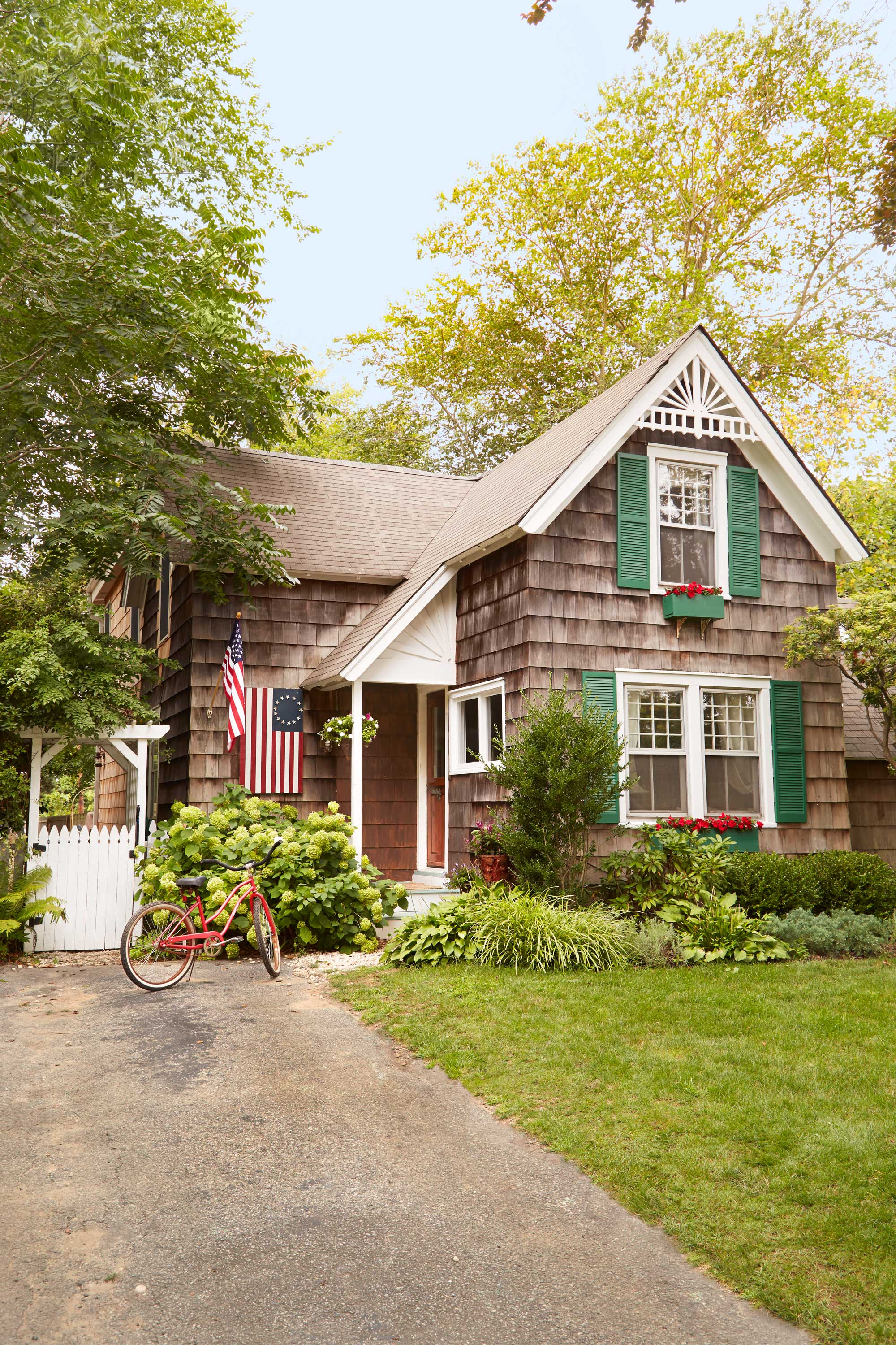 40 best curb appeal ideas home exterior design tips - Country Home Exterior