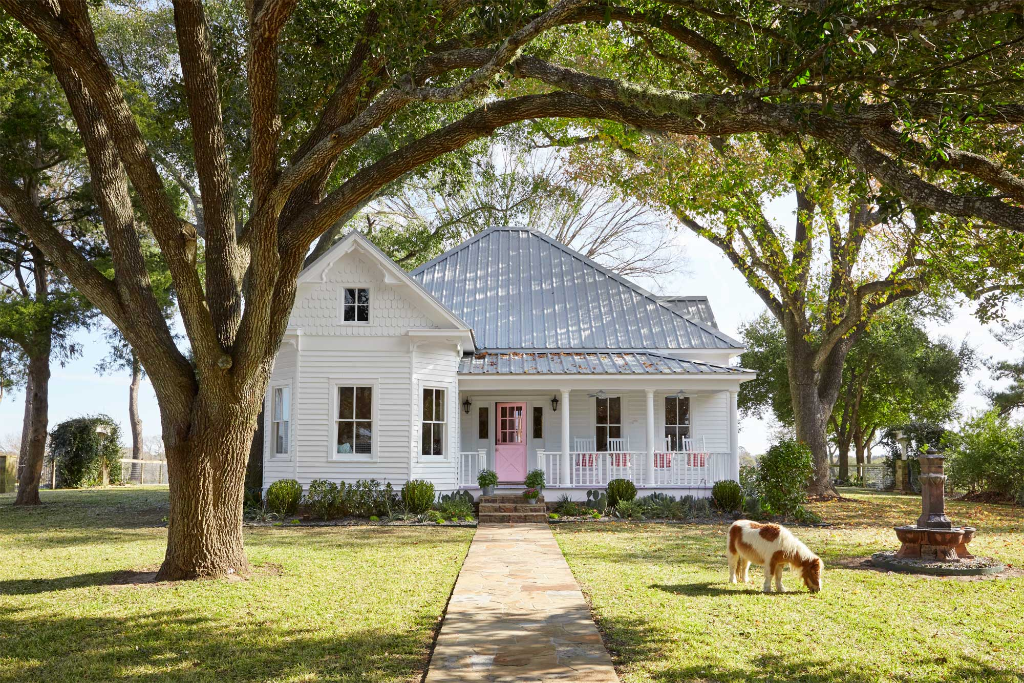 Farmhouse With Wrap Around Porch Bailey Mccarthy Texas Farmhouse Farmhouse Decorating Ideas