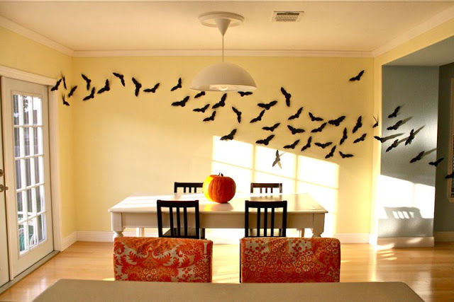 40 easy diy halloween decorations homemade do it yourself halloween decor ideas - Bat Halloween Decorations