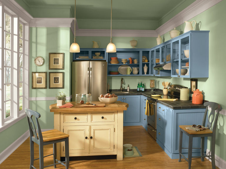 Two Toned Kitchen Cabinets Break The Rules In The Best Way