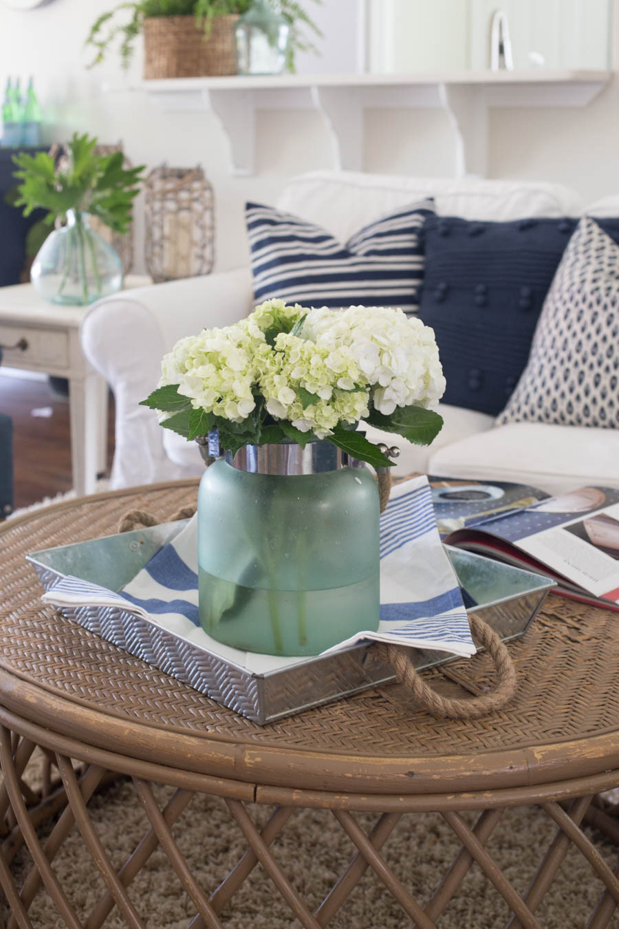 Delightful 30 Summer Decorating Ideas   Easy Ways To Decorate Your Home For Summer