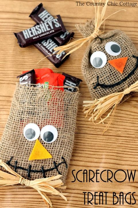 Give your guests these adorable party bags filled with treats. All you need is burlap, raffia ribbon and googly eyes, plus your favorite candy, of course!