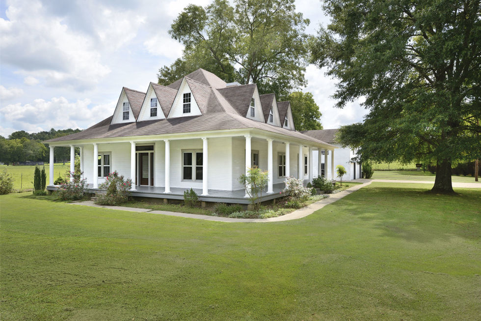 Nice farm style homes for sale 5 anderson alabama for Farmhouse style homes for sale