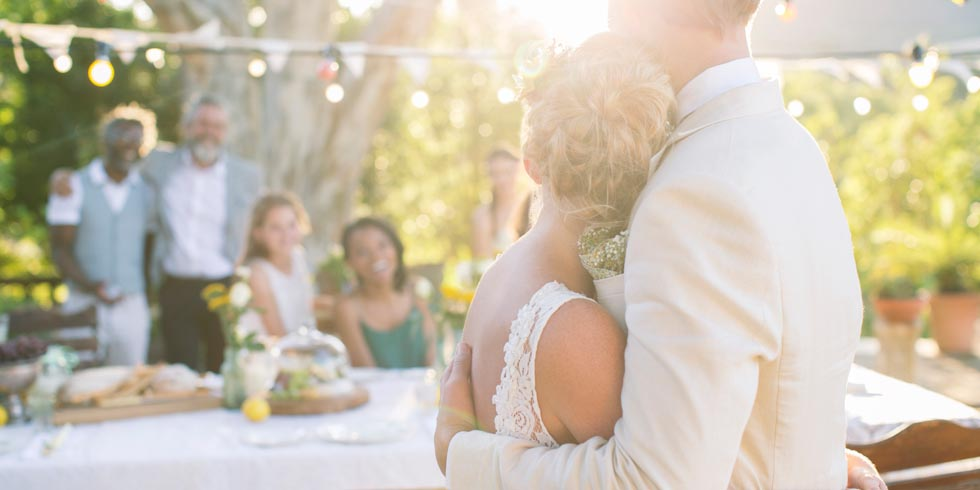 4th Wedding Gift Etiquette : Wedding Traditions to Forget - The New Etiquette Rules of Weddings