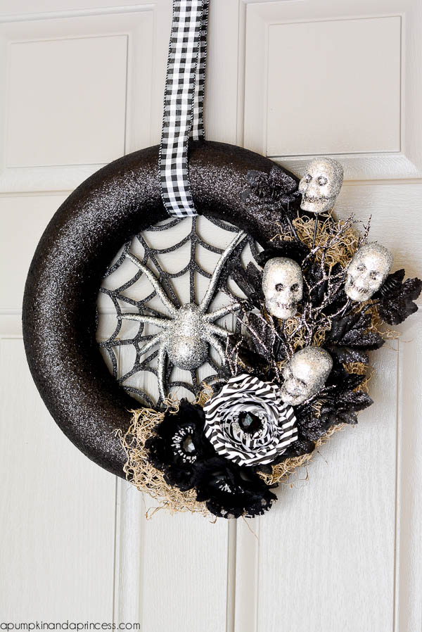 30 diy halloween wreaths how to make halloween door decorations ideas - Diy Halloween