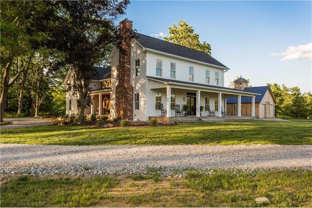 This indiana modern farmhouse is nothing short of for Modern farmhouse for sale