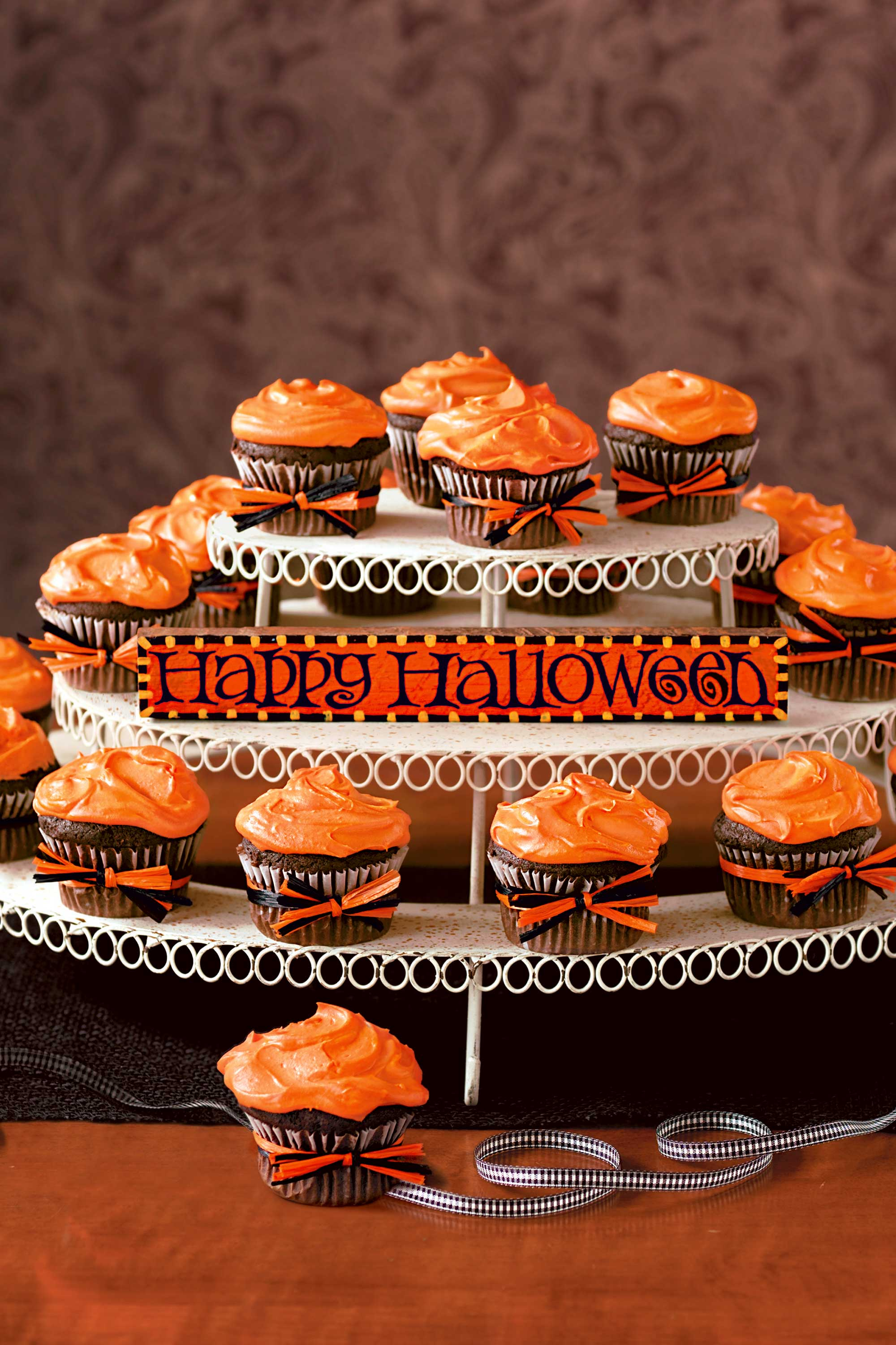 Halloween Cupcake Ideas Easy Recipes For Cute Halloween Cupcakes - 8 simple diy food centerpieces for thanksgiving to try