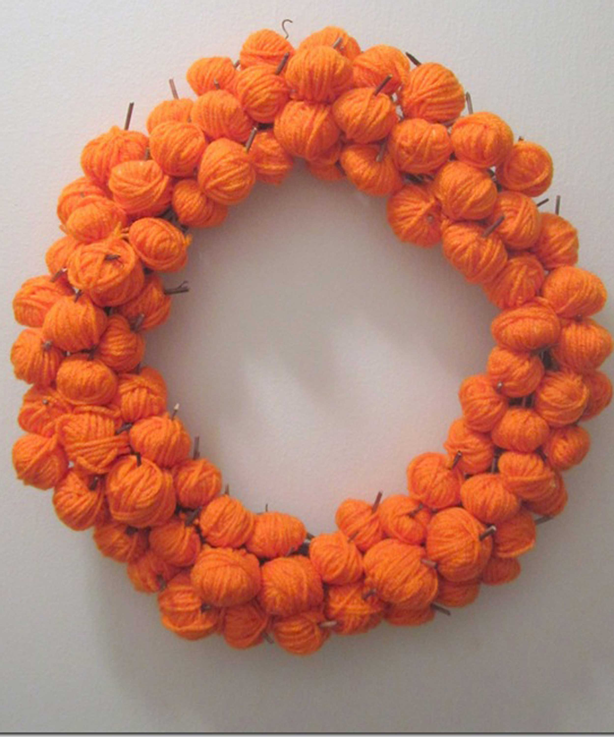 Diy halloween wreath - 30 Diy Halloween Wreaths How To Make Halloween Door Decorations Ideas