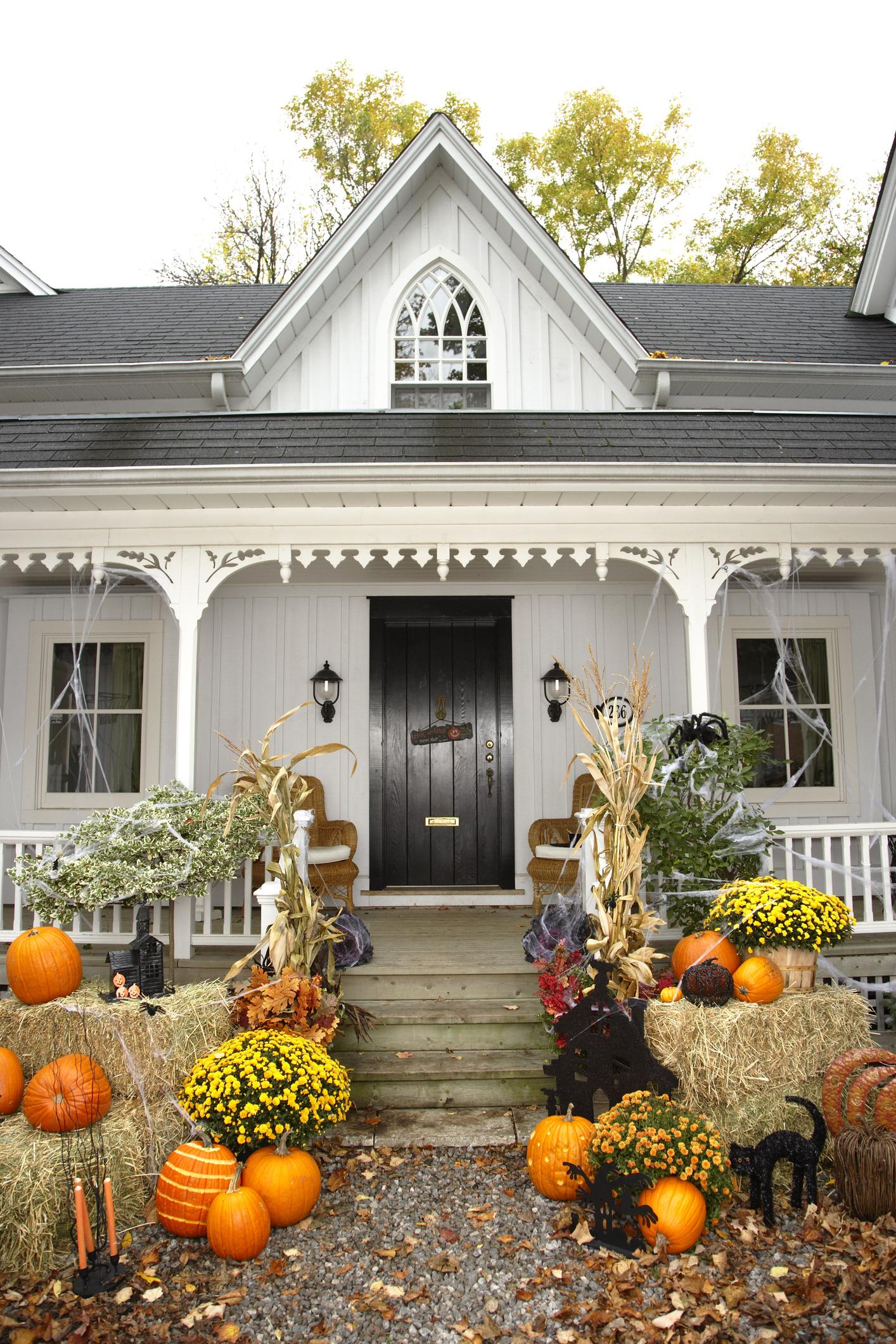Diy halloween yard decor - 35 Best Outdoor Halloween Decoration Ideas Easy Halloween Yard And Porch Decor