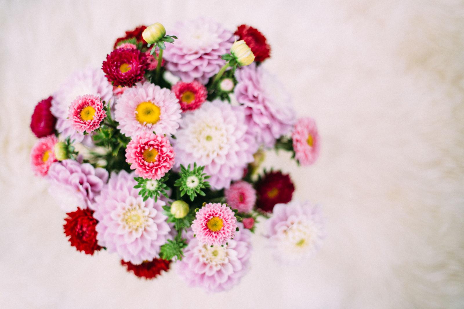 how to arrange flowers arranging flowers