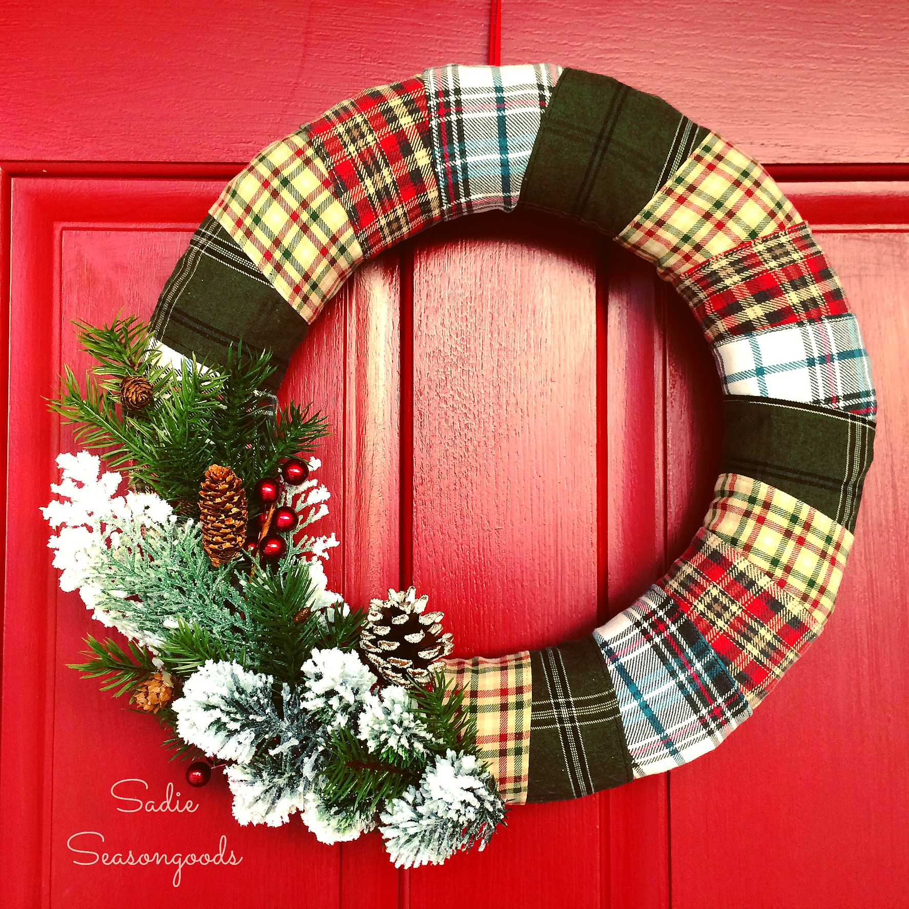 40+ DIY Christmas Wreath Ideas - How To Make Holiday Wreaths Crafts