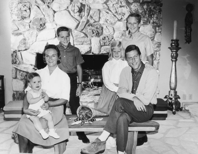 Dick Van Dyke with his first former ex-wife Margie Willett and their four children