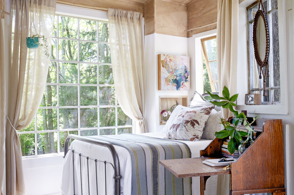 Bedroom. Nashville Treehouse   Nashville Tiny House