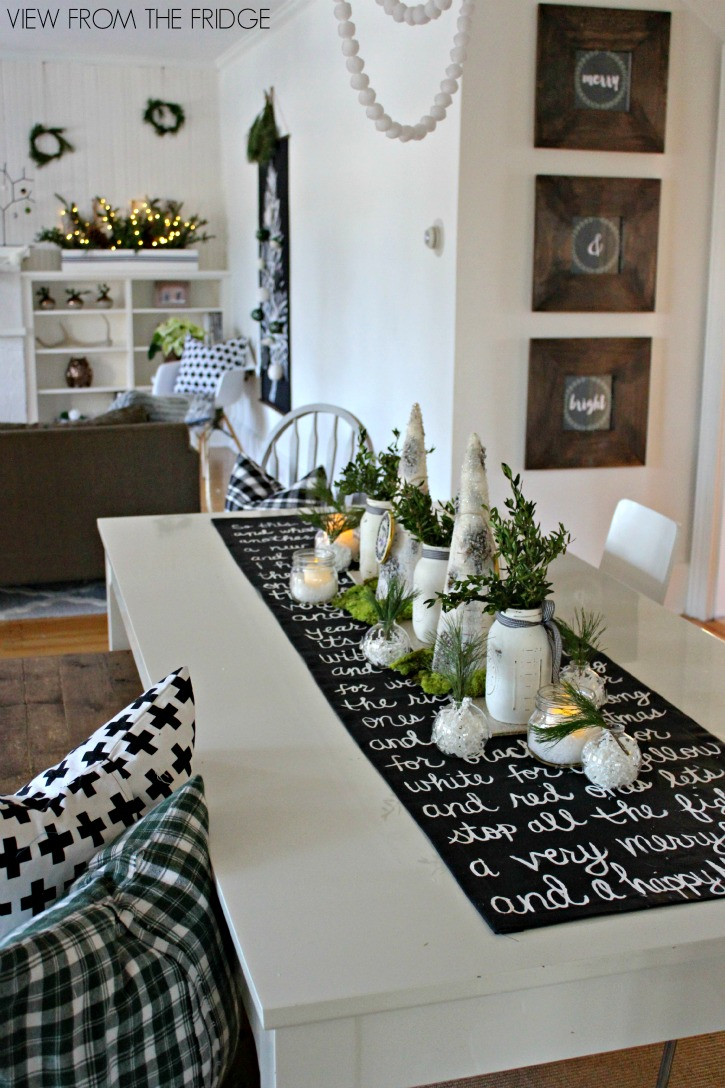 black-and-white-christmas-lyric-table-runner