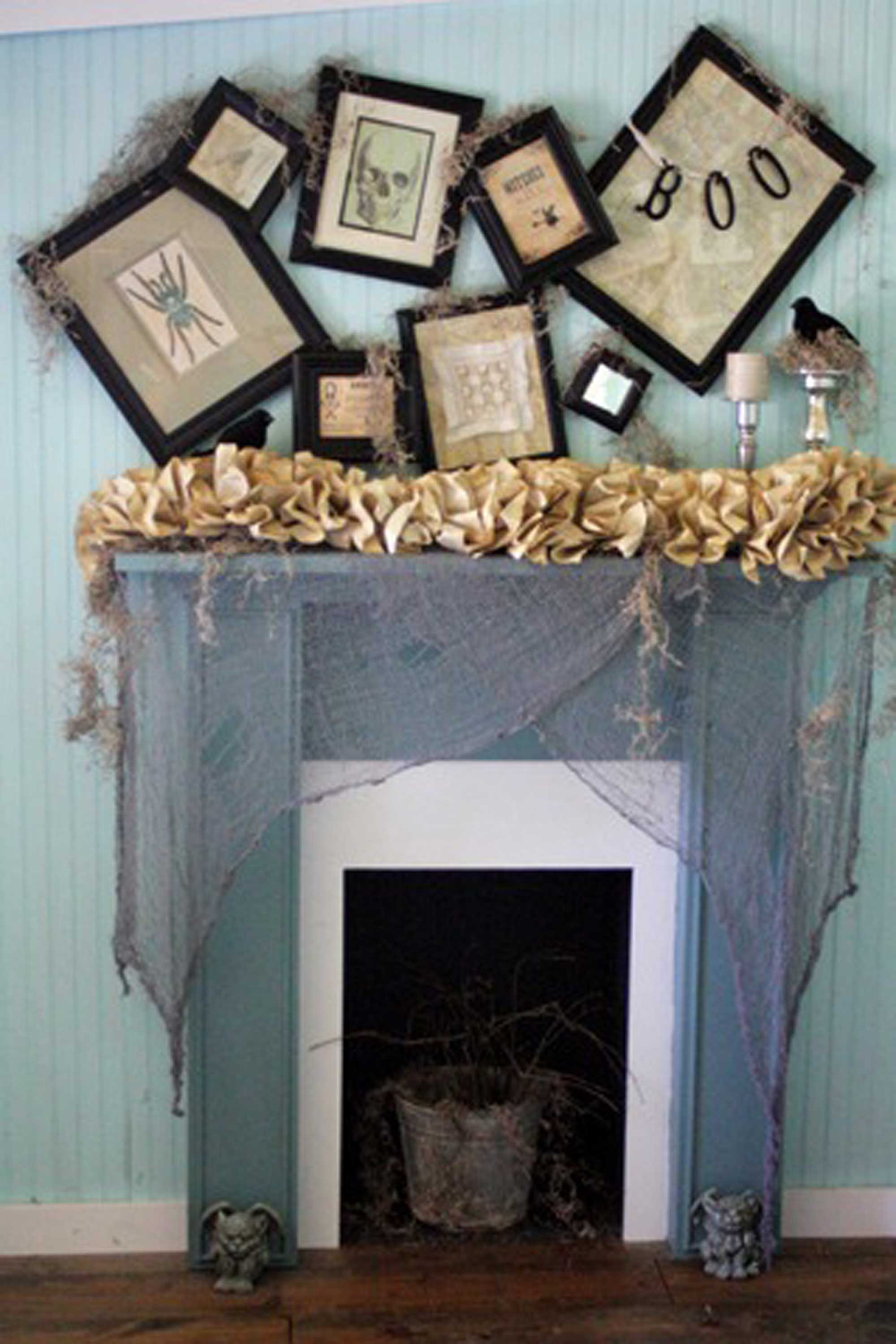 35 fall mantel decorating ideas halloween mantel decorations - Decorating House For Halloween