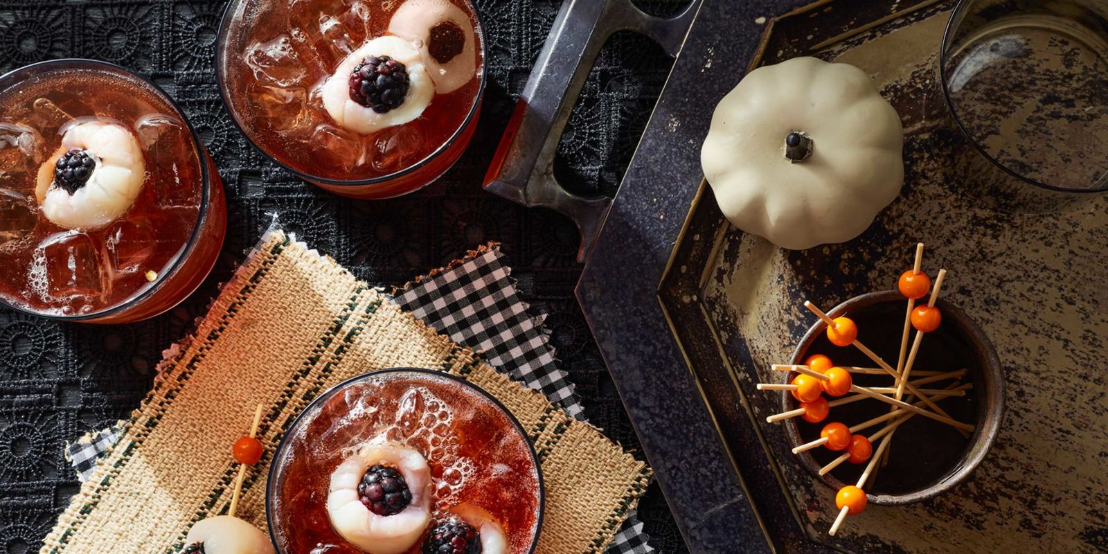 32 easy halloween cocktails drinks best recipes for for Fun easy party drinks