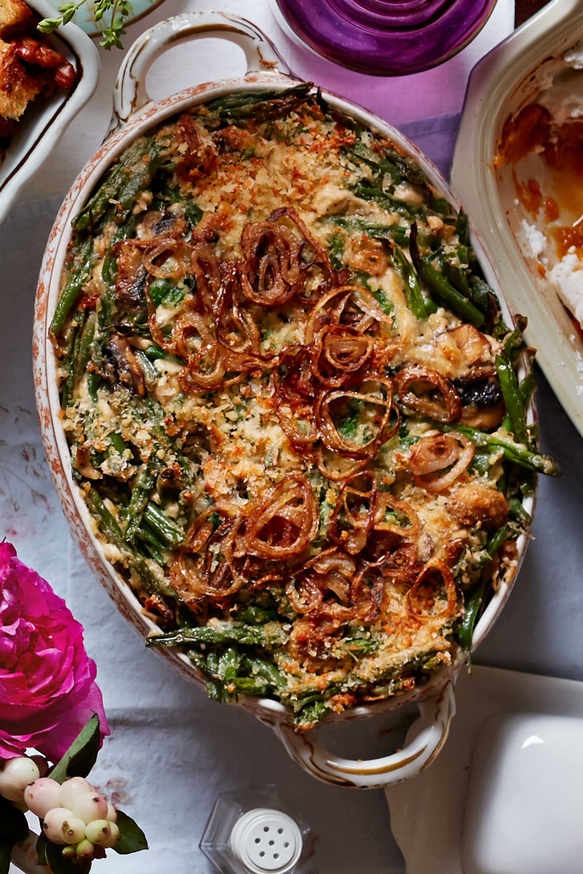 20 easy green bean casserole recipes for thanksgiving for Easy thanksgiving green bean recipes