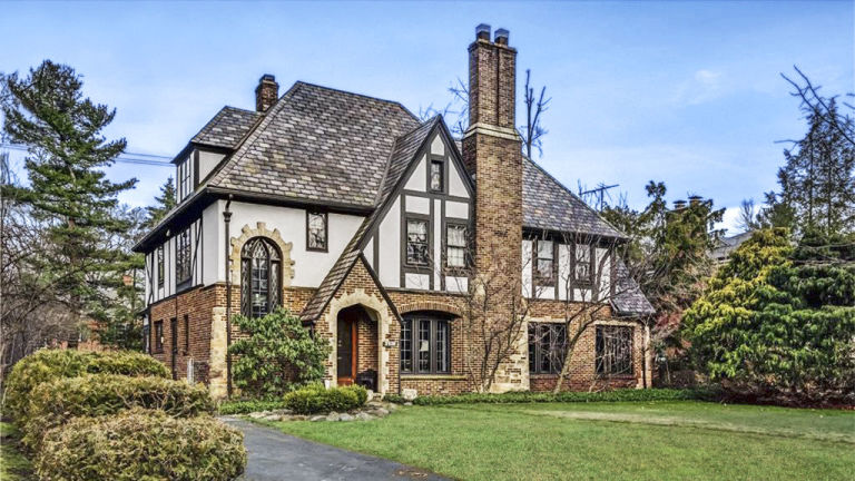 SHAKER HEIGHTS, OH $419,000