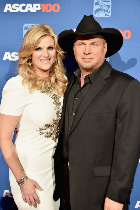 12 country singer couples most inspiring marriages in for Is garth brooks and trisha yearwood still married