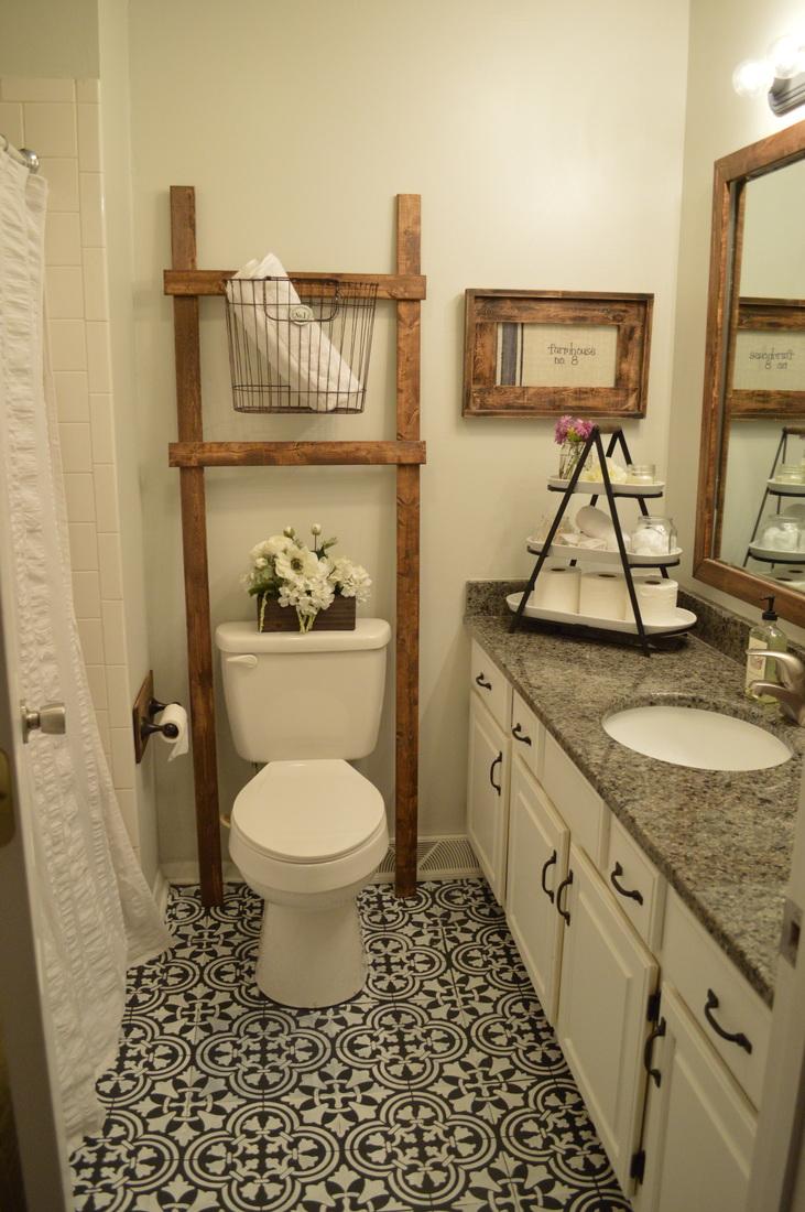 Painting linoleum bathroom floor - Can You Believe This Hand Painted Bathroom Floor Is Linoleum