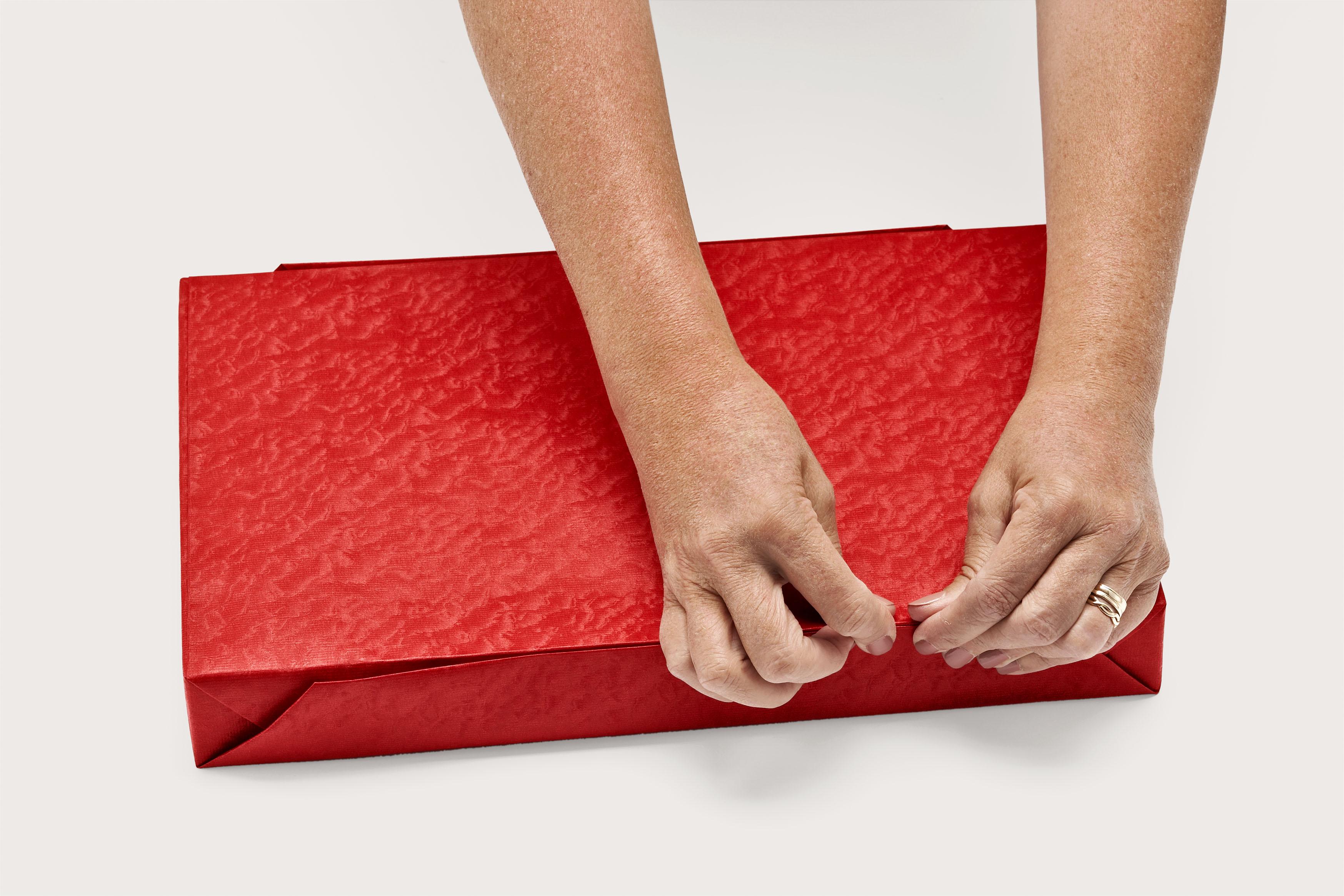Инструкции как красиво упаковать подарок в
