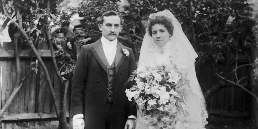 Weird victorian marriage advice vintage marriage and wedding theres one thing absent minded husband and wives really werent supposed to do junglespirit Choice Image