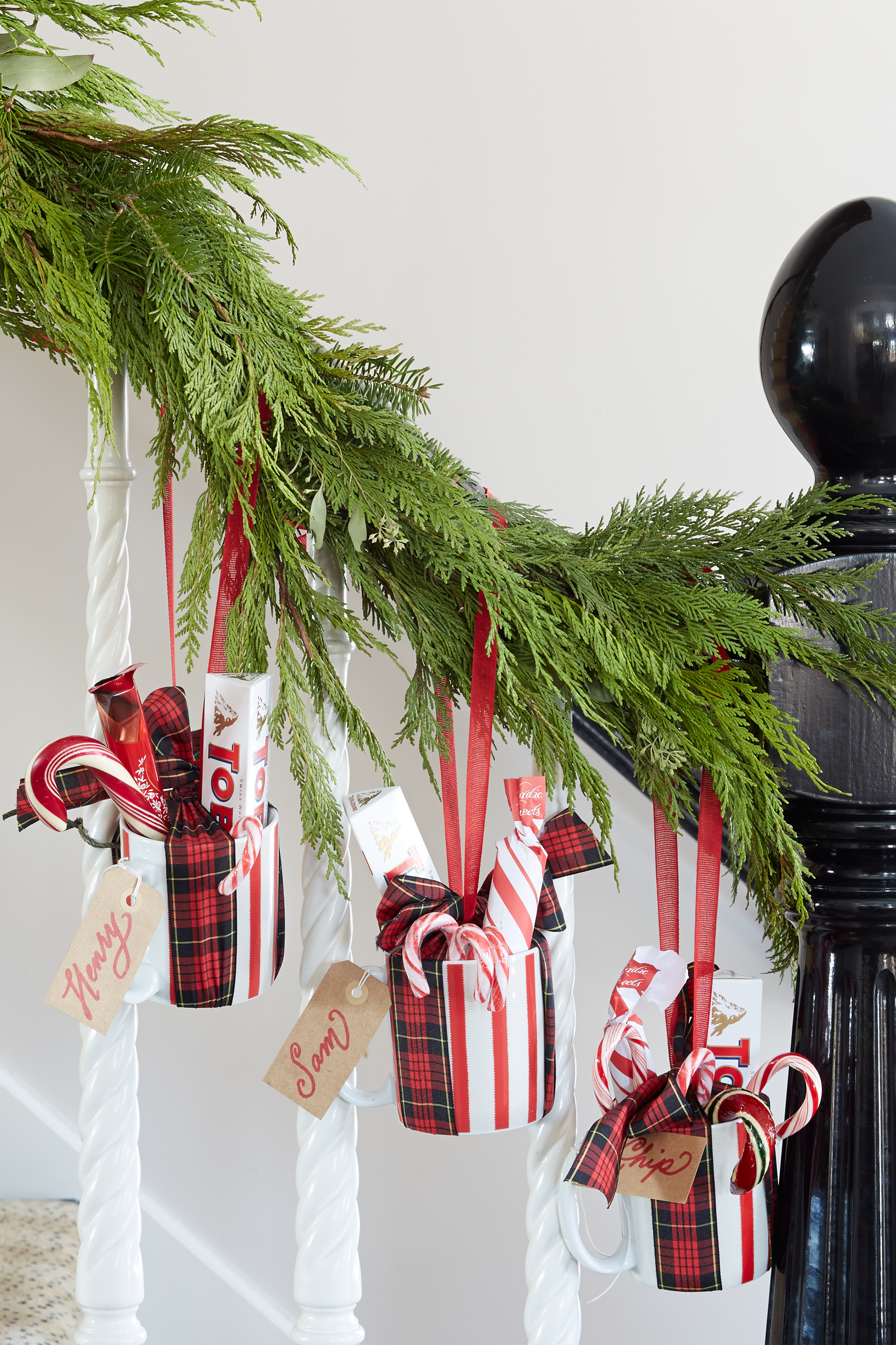 Decorating Ideas Christmas 55 best christmas garland ideas - decorating with holiday garlands