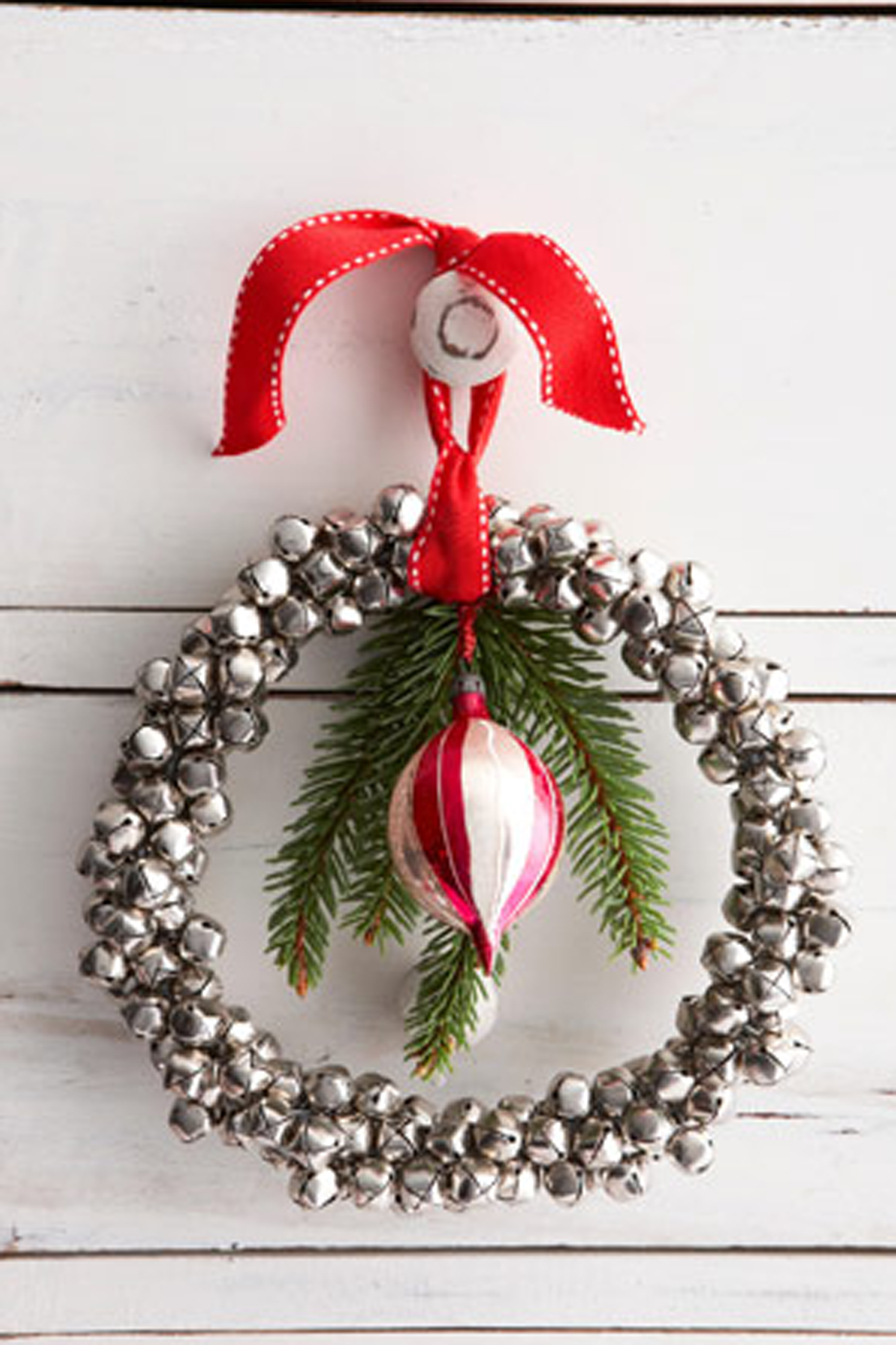 50+ diy christmas wreath ideas - how to make holiday wreaths crafts