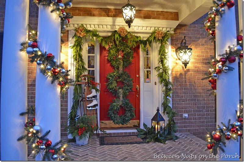 34 Outdoor Christmas Decorations - Ideas for Outside Christmas Porch Decor