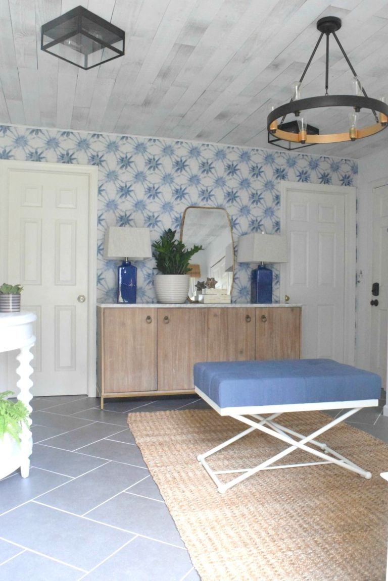 Family mudroom makeover mudroom organization ideas this is what a 4000 mudroom makeover looks like amipublicfo Gallery