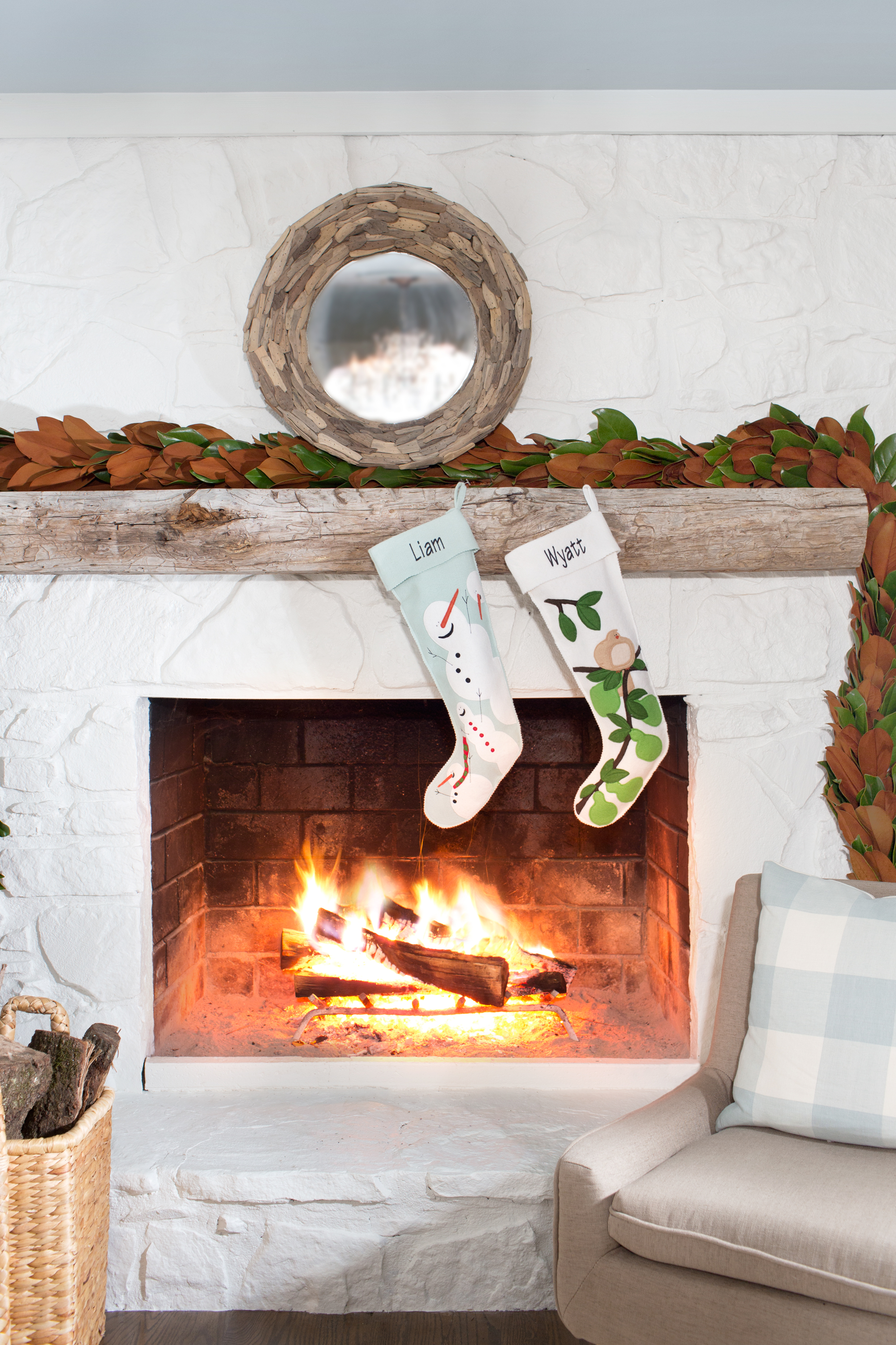 Christmas Mantel Decorations Ideas For Holiday Fireplace - Mantel christmas decorating ideas