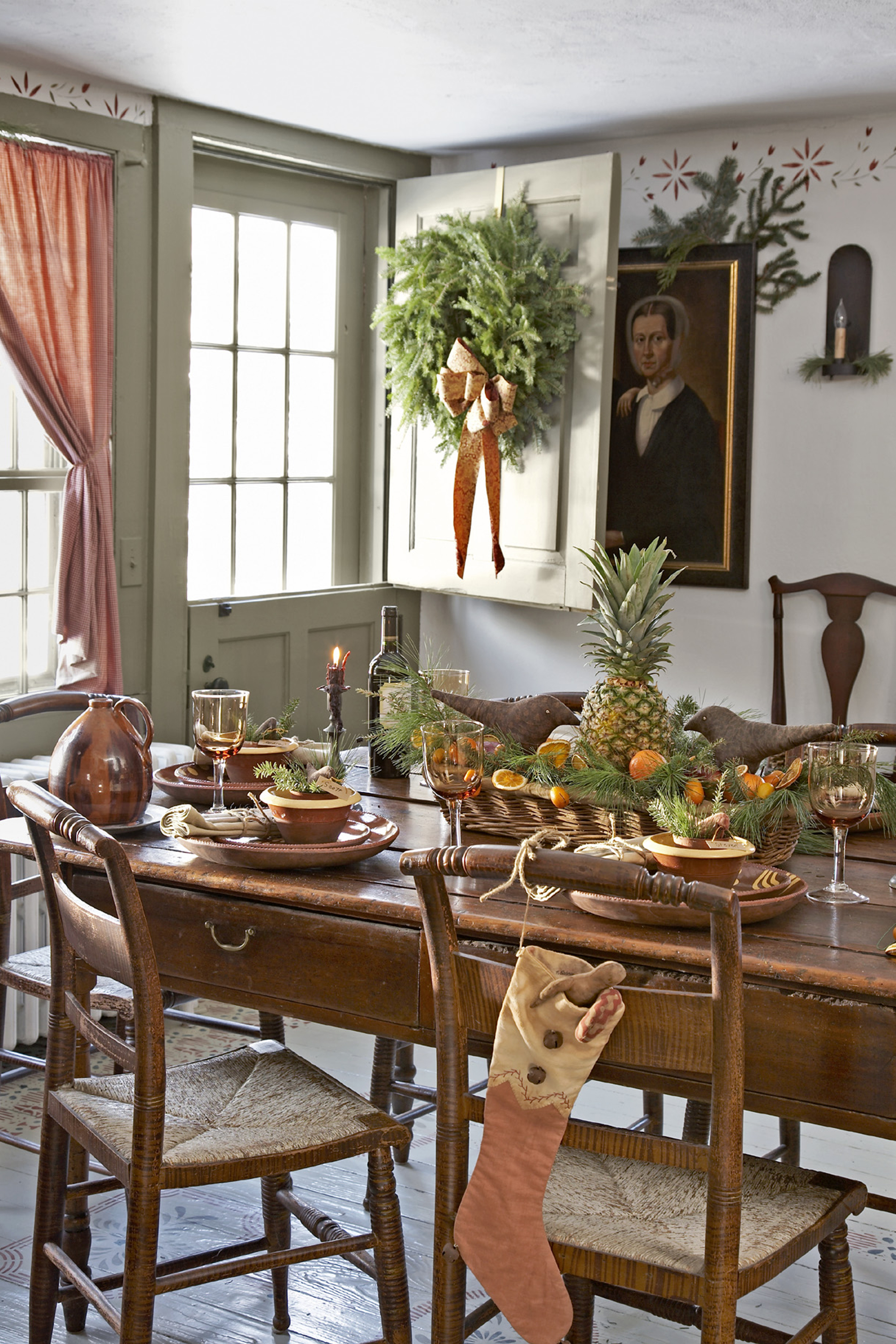 45 Best Christmas Table Settings   Decorations And Centerpiece Ideas For  Your Christmas Table