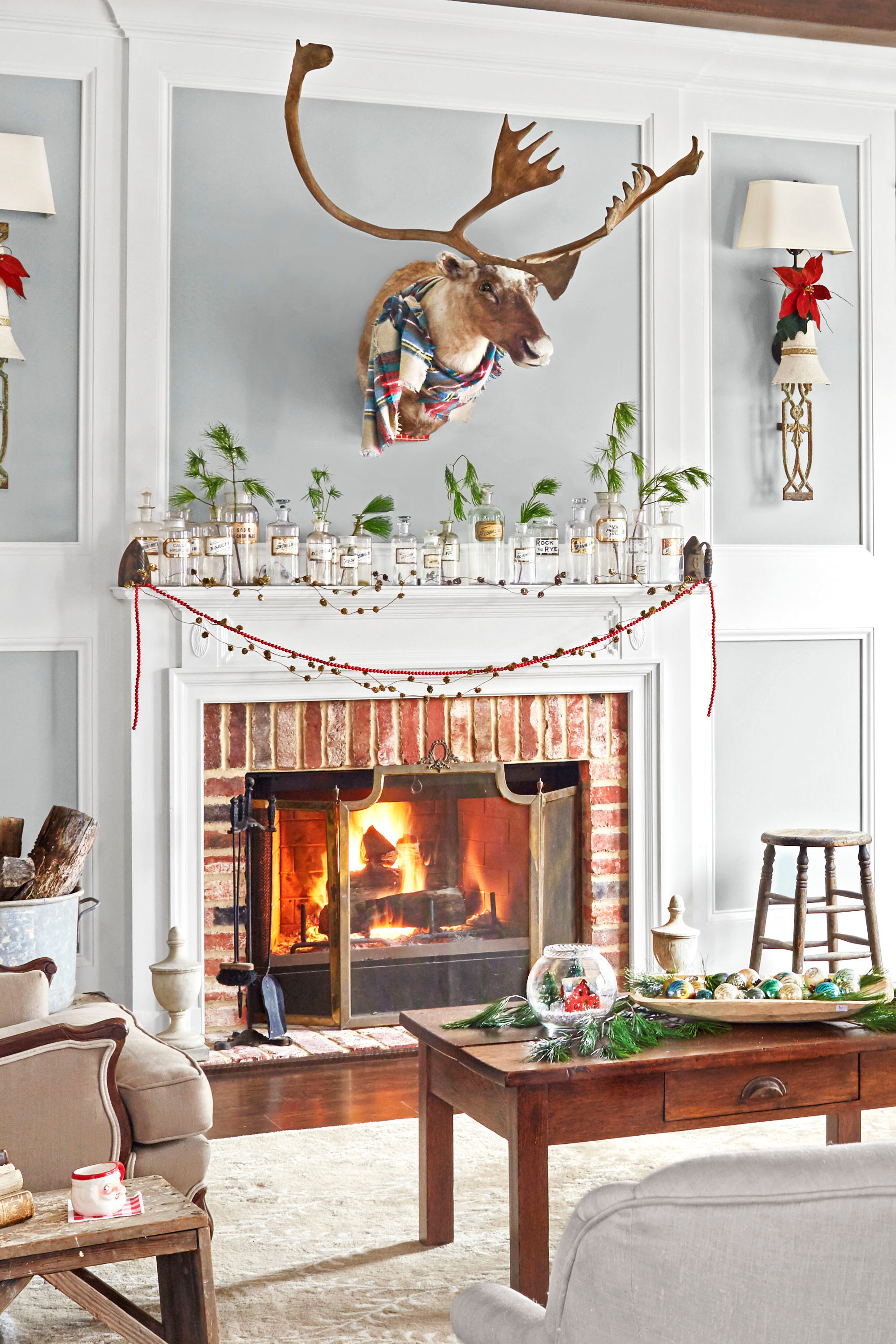 Decorating A Mantel For Christmas 35 christmas mantel decorations - ideas for holiday fireplace