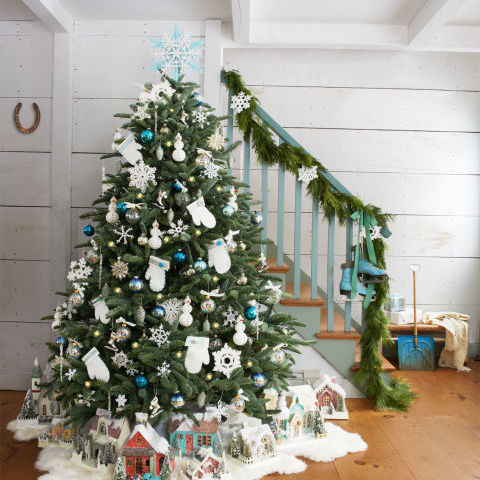 17 Unique Christmas Tree Toppers - Cool Ideas for Tree Toppers