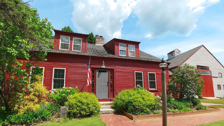Red Houses For Sales - Country Listings