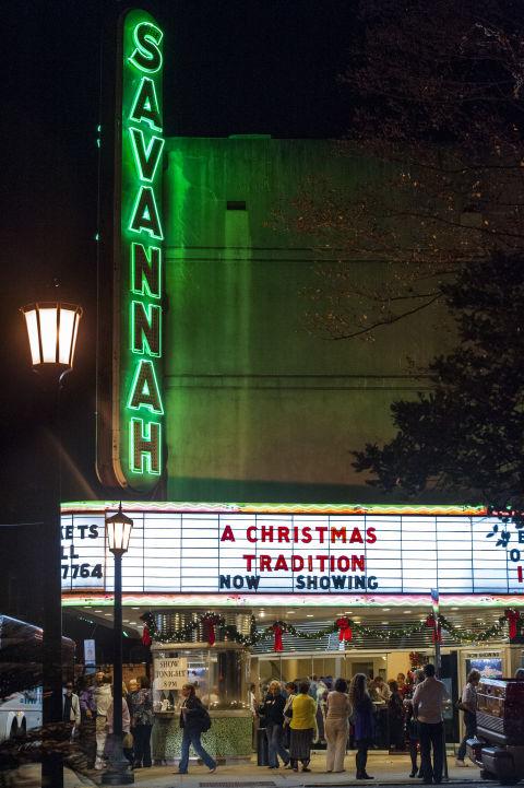 Christmas in Savannah, Georgia - Holiday Travel Guide for Savannah