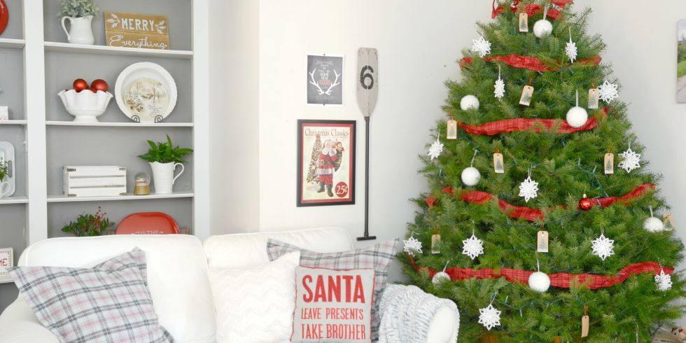 Ways To Decorate Your House For Christmas 13 gorgeous ways to decorate your farmhouse family room for christmas