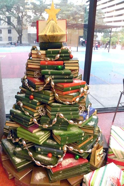 clvh cdncoassets1649480x7202 book tree hous - Christmas Tree Book