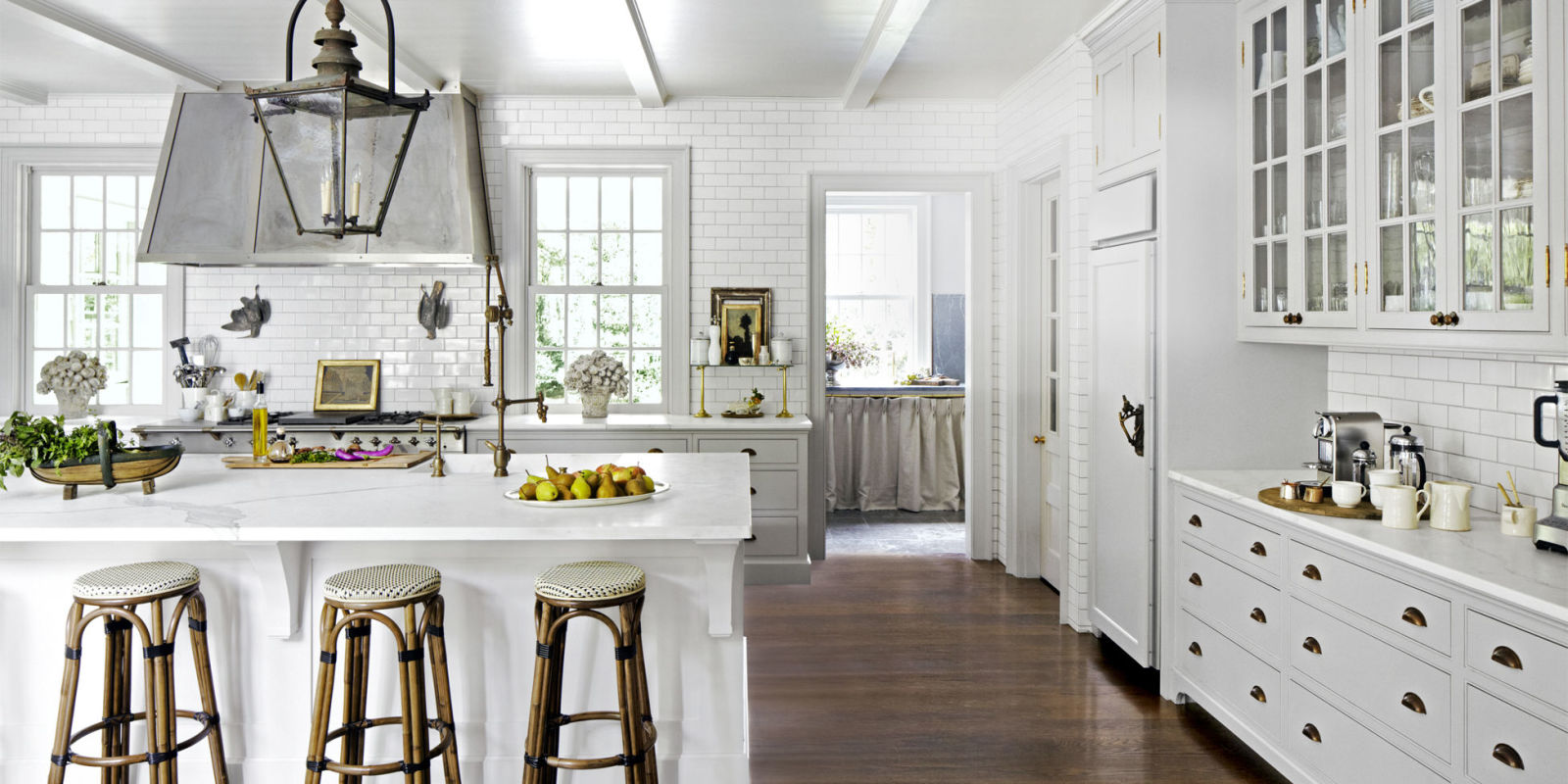 8 gorgeous kitchen trends that will be huge in 2018 for Model kitchens with white cabinets