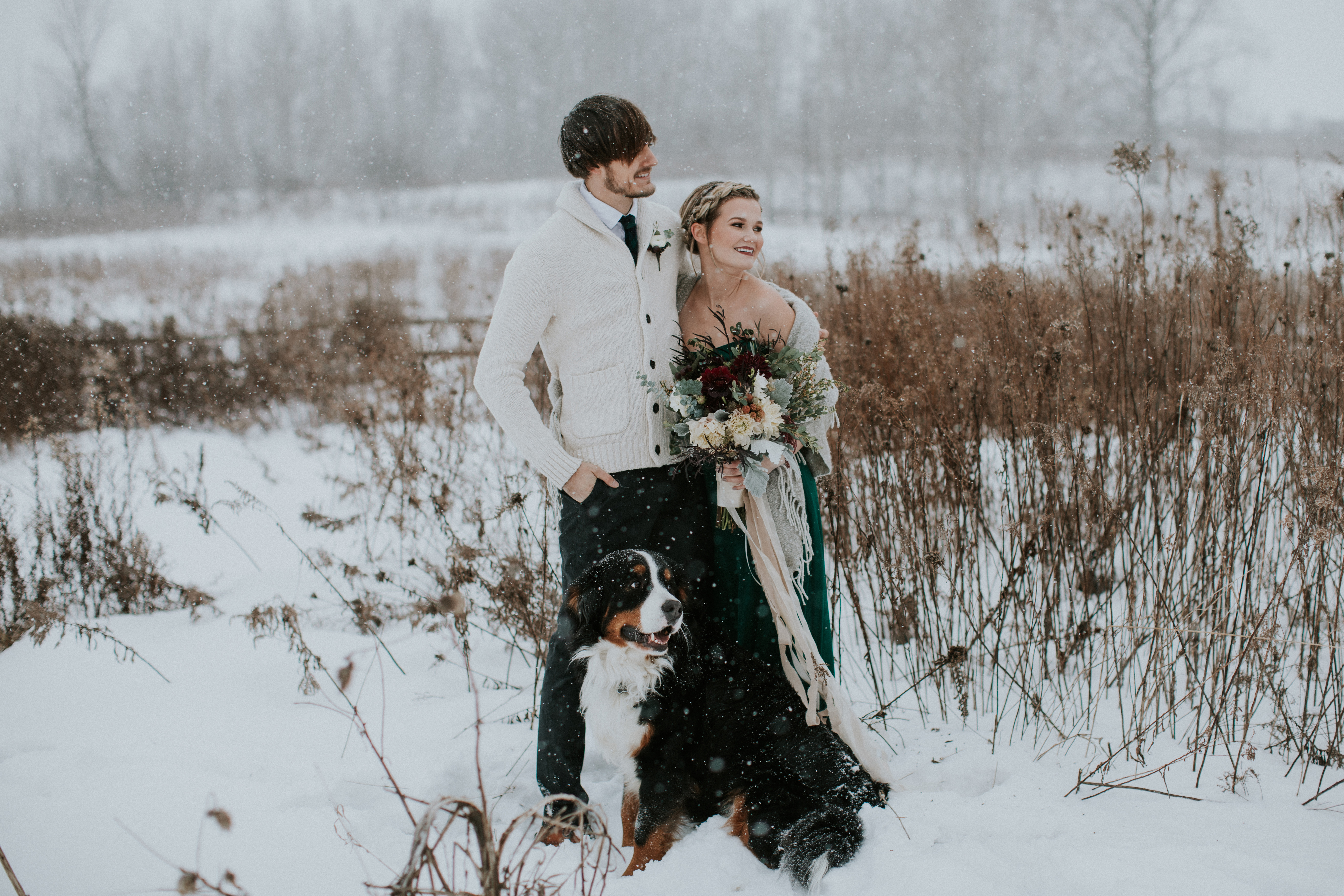 30 dreamy winter wedding photos ideas for winter weddings junglespirit Image collections