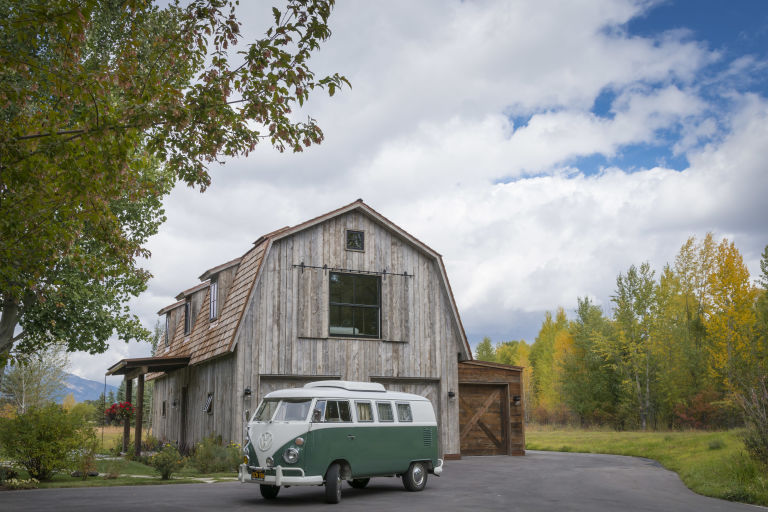 Rustic Barn Homes this guest house was built to look like a rustic barn - rustic