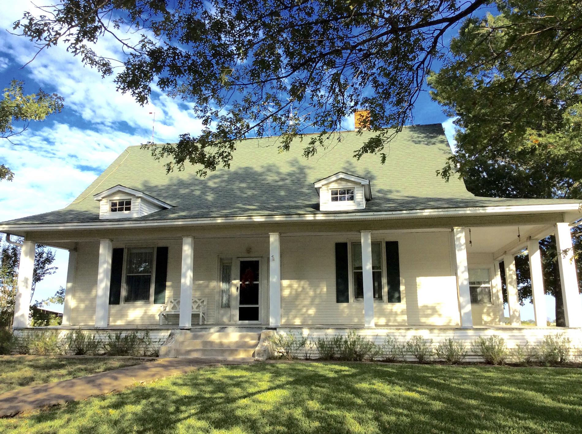 100 year old texas farmhouse texas farmhouse decorating for Texas farmhouse style