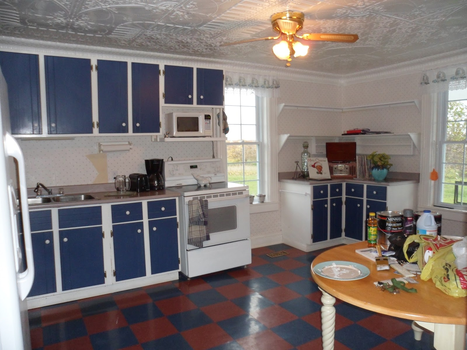 10 diy kitchen cabinet makeovers - before & after photos that