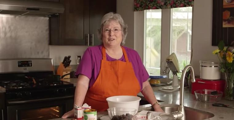 pottymouth granny peggy glenn bakes a vegan cake
