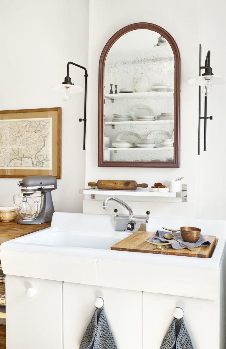 Gray bathroom decor