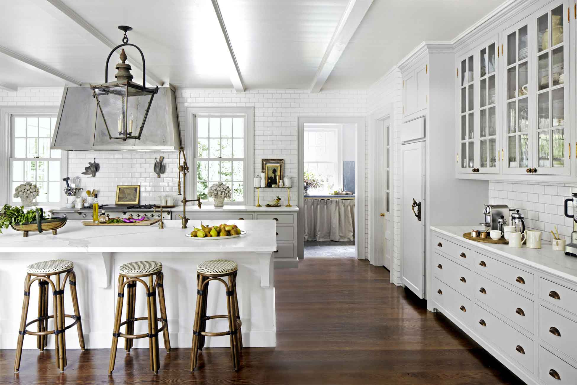 Of White Kitchens With Dark Floors 21 Best White Kitchens Pictures Of White Kitchen Design Ideas