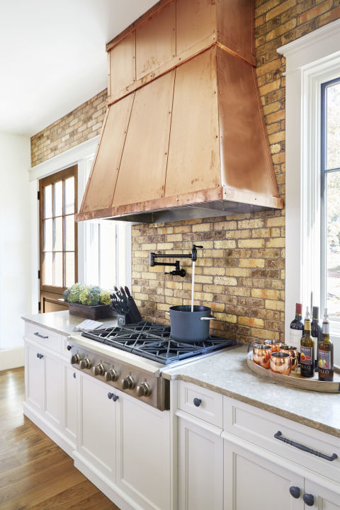 15 Gorgeous Kitchen Range Hoods That Are Eye Candy (Not Eyesores ...
