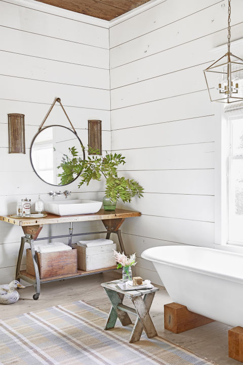 5 Easy Ways To Style a Modern Farmhouse Bathroom